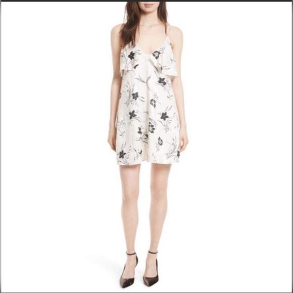 Alice + Olivia Dresses & Skirts - NWT Alice + Olivia Black & White Floral Dress